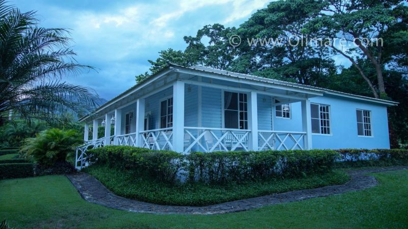 Si buscas una casa de campo en optimas condiciones con un jardín impresionante y un rió... | Bienes Raices Republica Dominicana