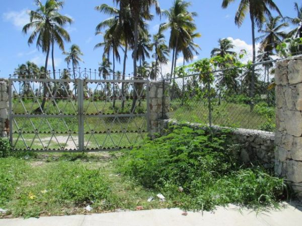 Land Lot for Sale only 350 meter from the Beach in Bavaro | Bienes Raices Republica Dominicana