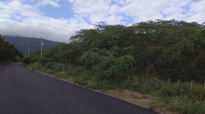 100,000 m2 de terreno llano. A 4 km del centro ciudad de Navarrete, 26.4 km de Santiago y 52.6 km a Puerto Plata.  | Bienes Raices Republica Dominicana