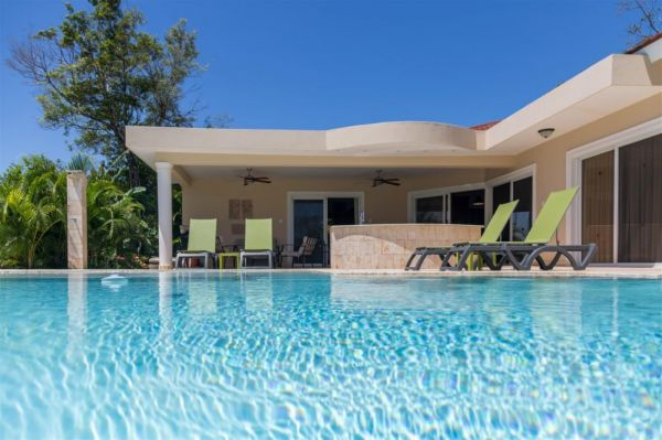 Villa Serenity Prediseñada en Proyecto Cerrado | Bienes Raices Republica Dominicana