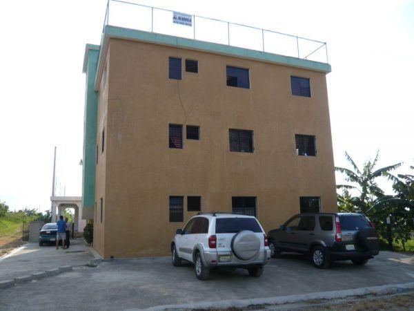 Rentable edificio de Aparta Estudios, Cuenta con 15 Aparta Estudios | Bienes Raices Republica Dominicana