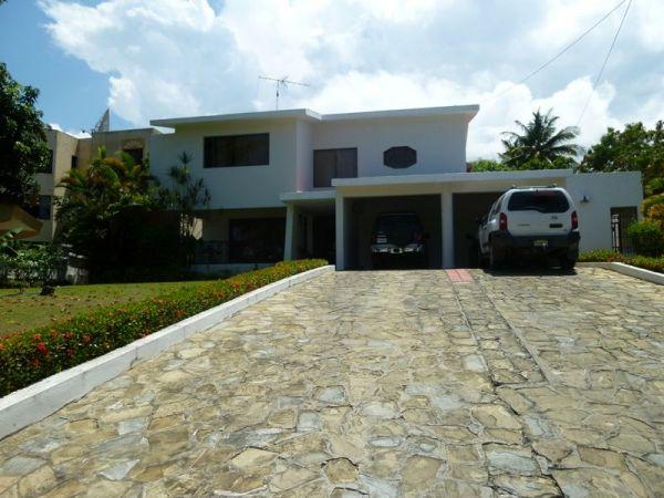 Hermosa Casa en prestigiosa Urbanizacion de Puerto Plata con seguridad 24 horas. | Bienes Raices Republica Dominicana